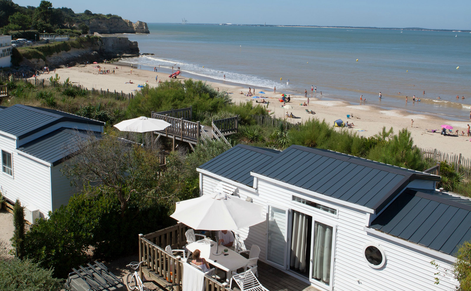 3 bedroom sea view mobile home beachfront 5-star campsite holiday rental Charente-Maritime