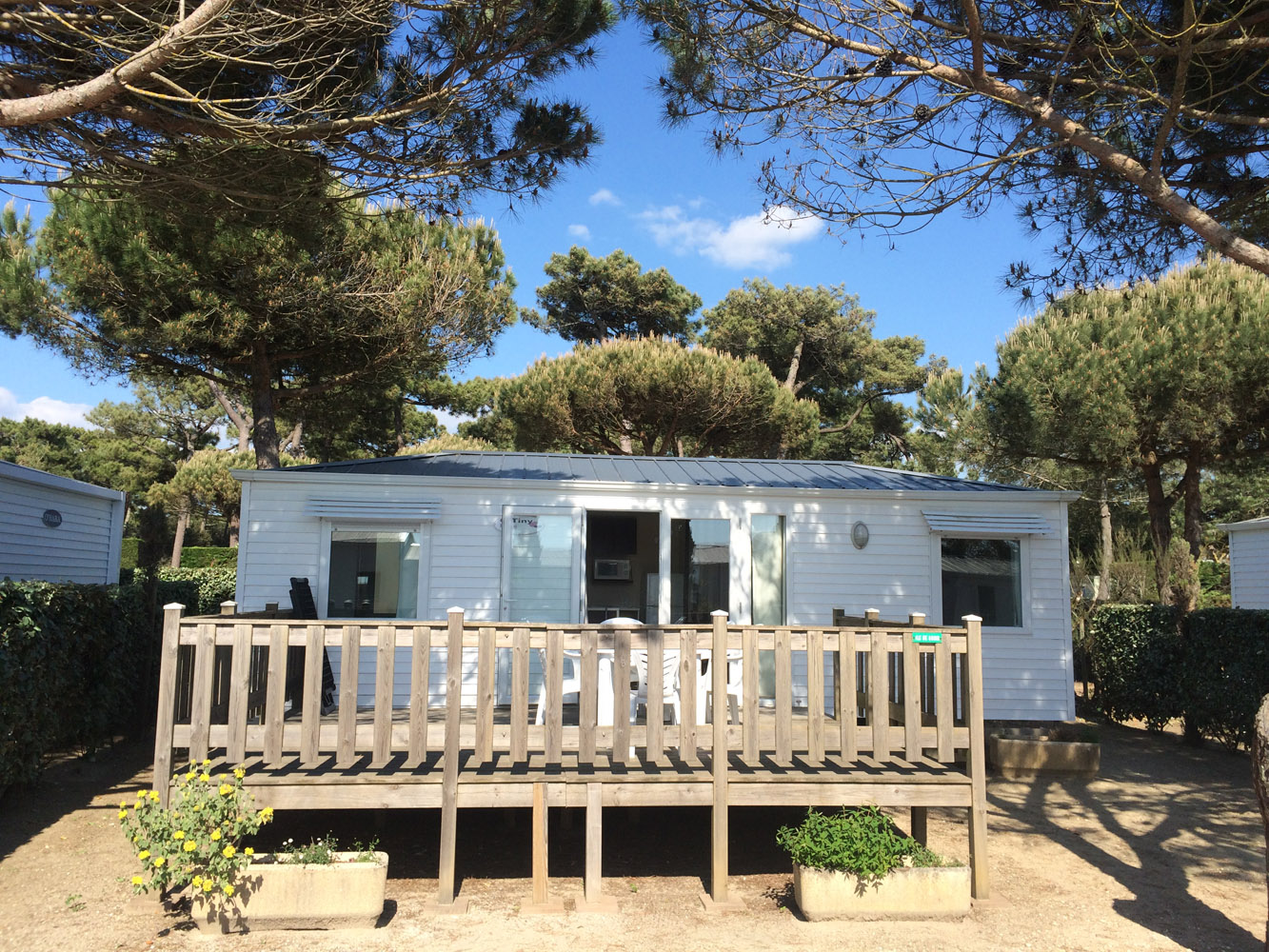 Mobile home 2 bedrooms 2 bathrooms - beachfront campsite in Charente-Maritime