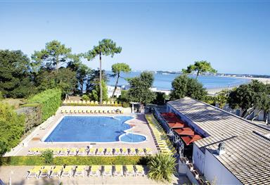 Wellness by the sea - beachfront campsite with pool in Charente Maritime